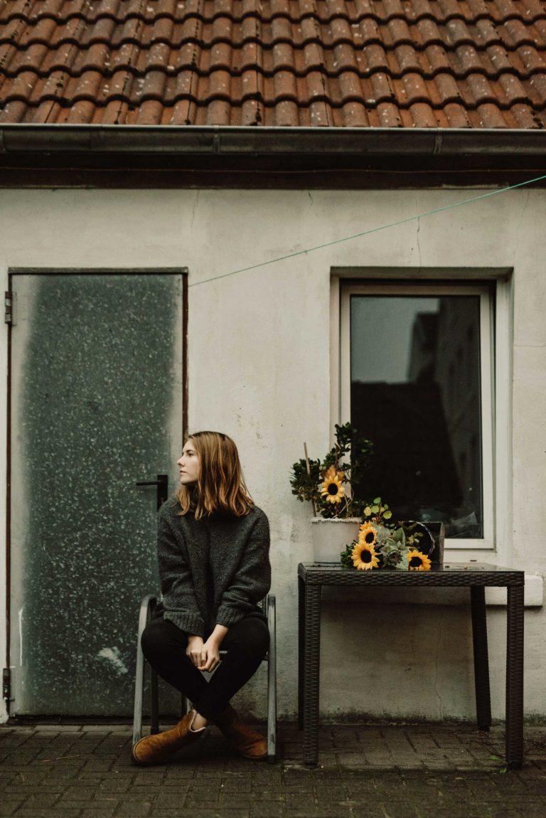 Sortir de l'anxiété social avec Laura du Podcast : Vaincre l'anxiété sociale